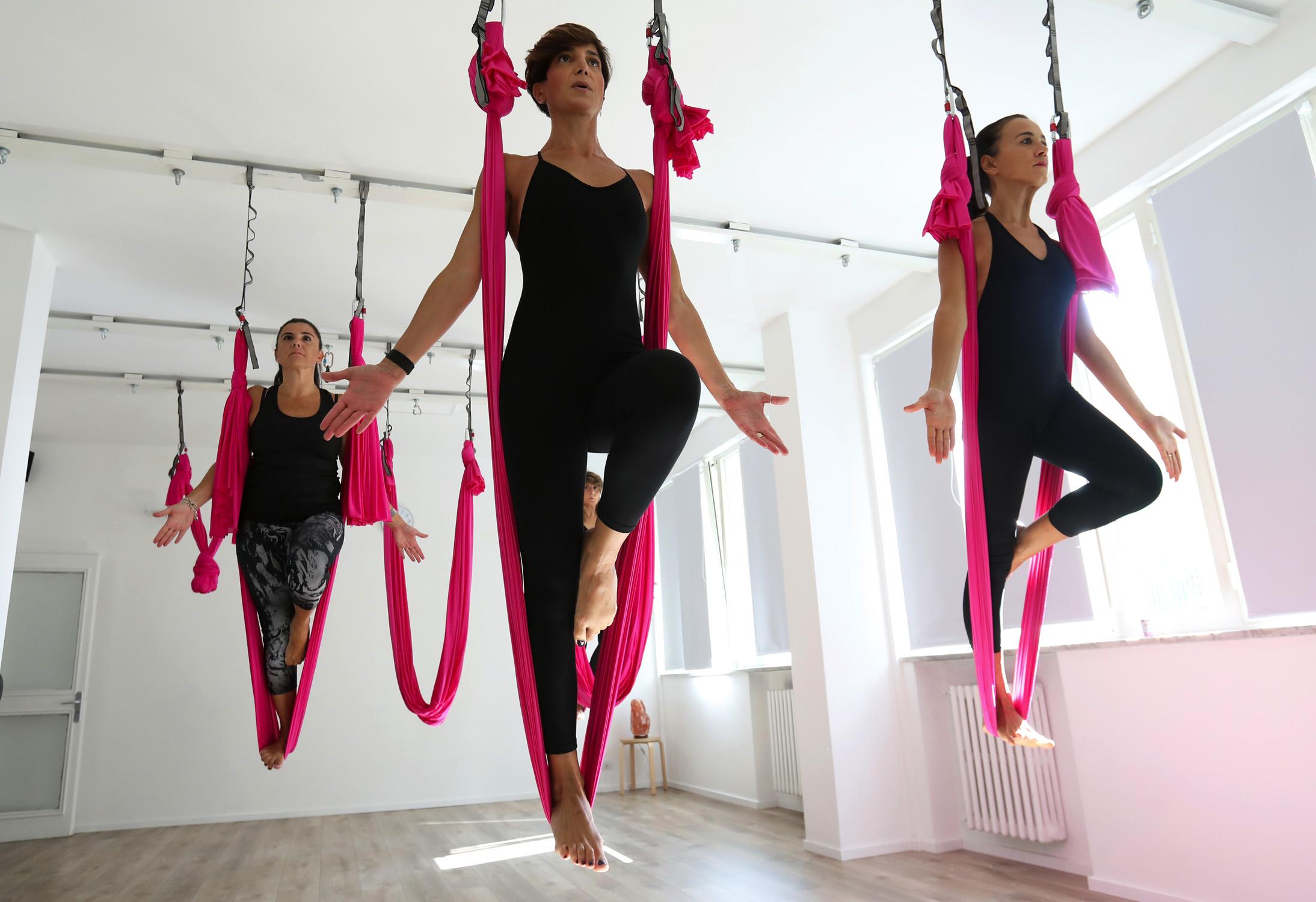 Fly Yoga Dance Intermedio